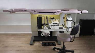 Mesa prona de punciones mamarias